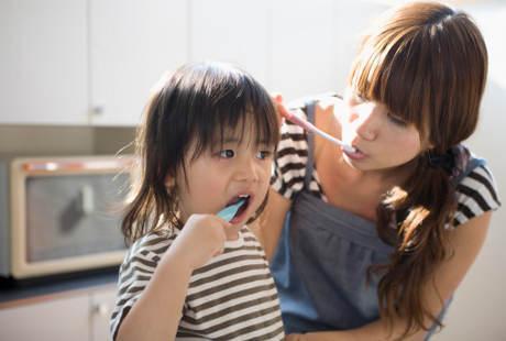 Begini Cara Menyikat Gigi Anak yang Benar Agar Tak Gampang Berlubang