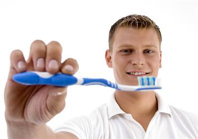 Ada Bakteri Menempel di Sikat Gigi Anda